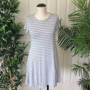 Discreet Small Gray White Striped Mini Tunic Dress
